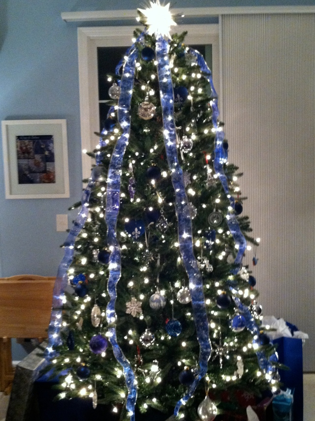 Our friends' blue and silver Christmas tree - tangledpasta.net