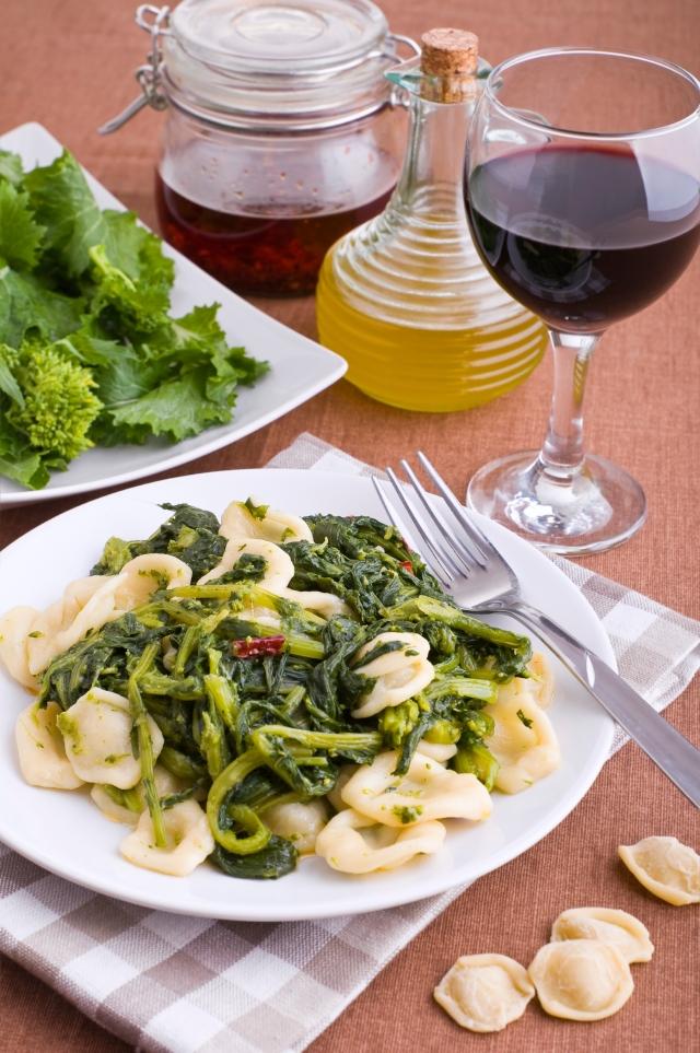 Orecchiette and vino - tangledpasta.net
