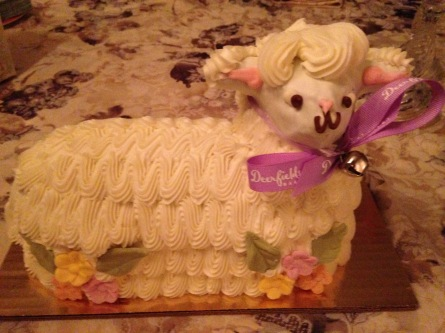 Easter Lamb Cake is a tradition in our family - tangledpasta.net