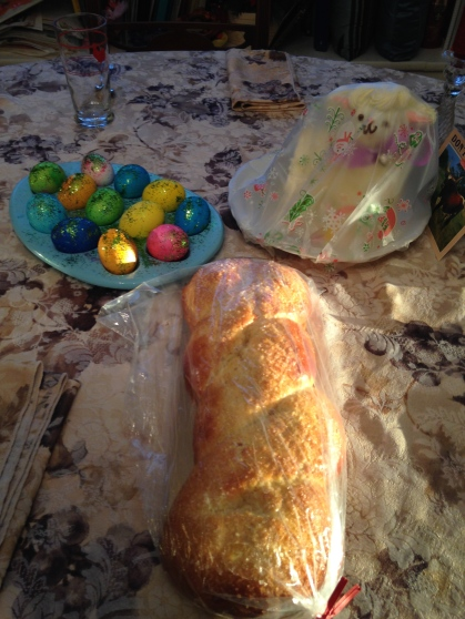 We prefer our Italian Easter bread without hard boiled eggs embedded in the bread - tangledpasta.net