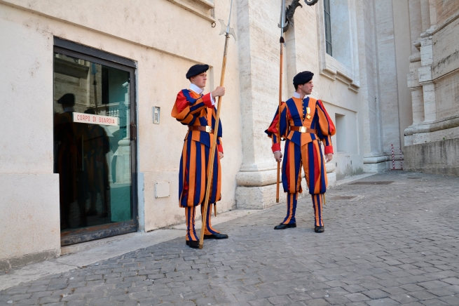 The Pontifical Swiss Guards at Vatican City have been guarding Catholic Popes since 1506. - tangledpasta.net